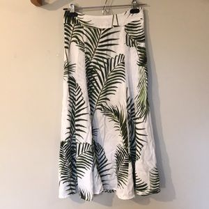 Plant patterned skirt
